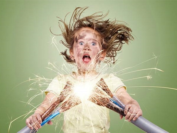 Mơ thấy điện giật có điềm báo gì và đánh con số nào?