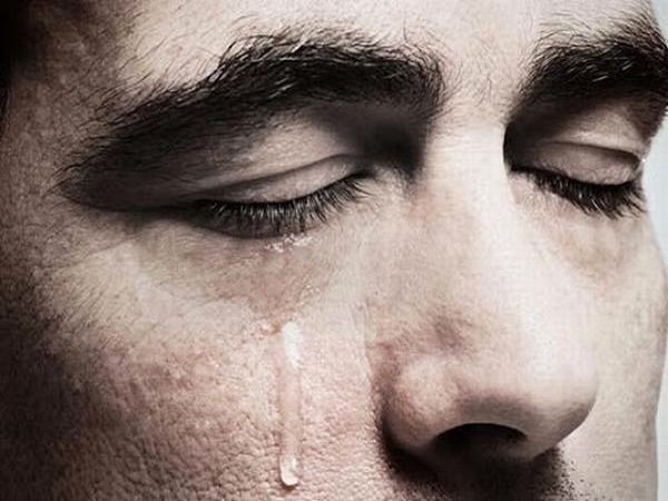 Mơ thấy mình khóc đánh con gì, có ý nghĩa tốt hay xấu?