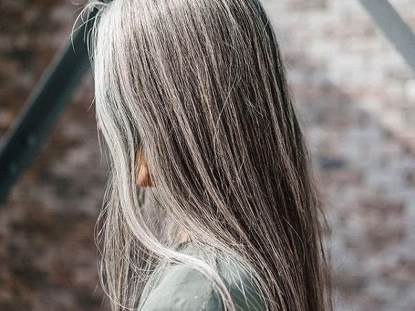 Mơ thấy tóc bạc điềm gì và đánh con số nào may mắn?