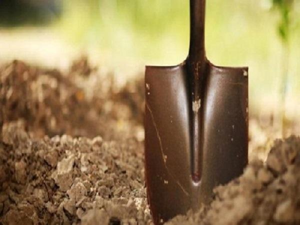 Mơ thấy đào đất